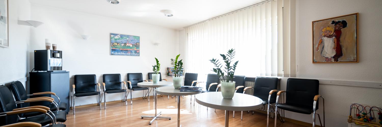 Orthopädie Leonberg - Dr. von Richthofen - Wartezimmer der Praxis
